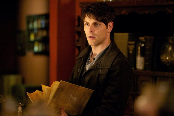 David Giuntoli Takes Us Behind-the-Scenes of Grimm for Tonight's Finale! – Glamour