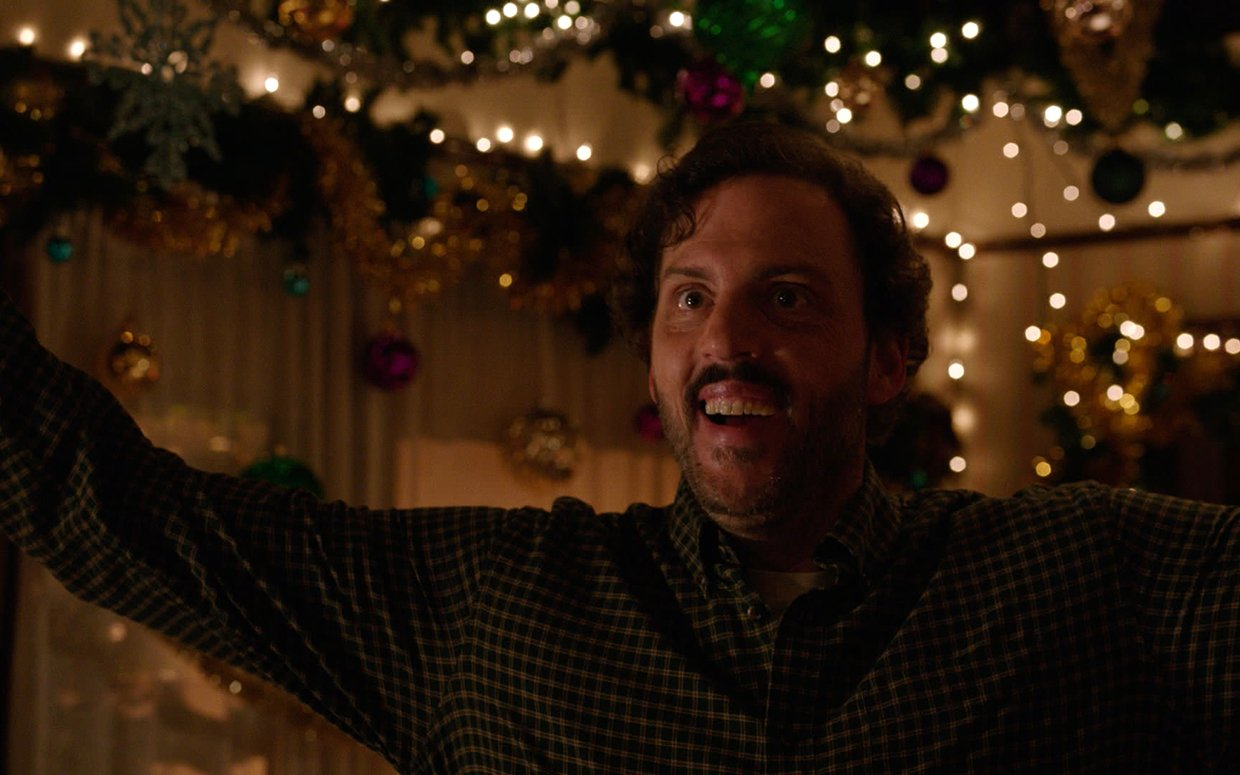 Silas Weir Mitchell Talks Grimm, Krampus, and Decorating for Christmas – Parade