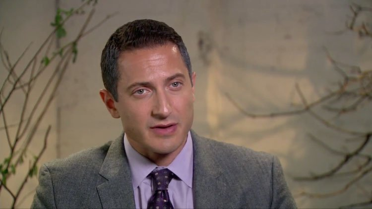 Grimm Season 2: Profile – Sasha Roiz – Captain Sean Renard